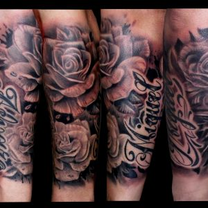 rosas antebrazo tattoo tatuaje black grey blanco negro sombras realismo nombres lettering antebrazo 13depicas