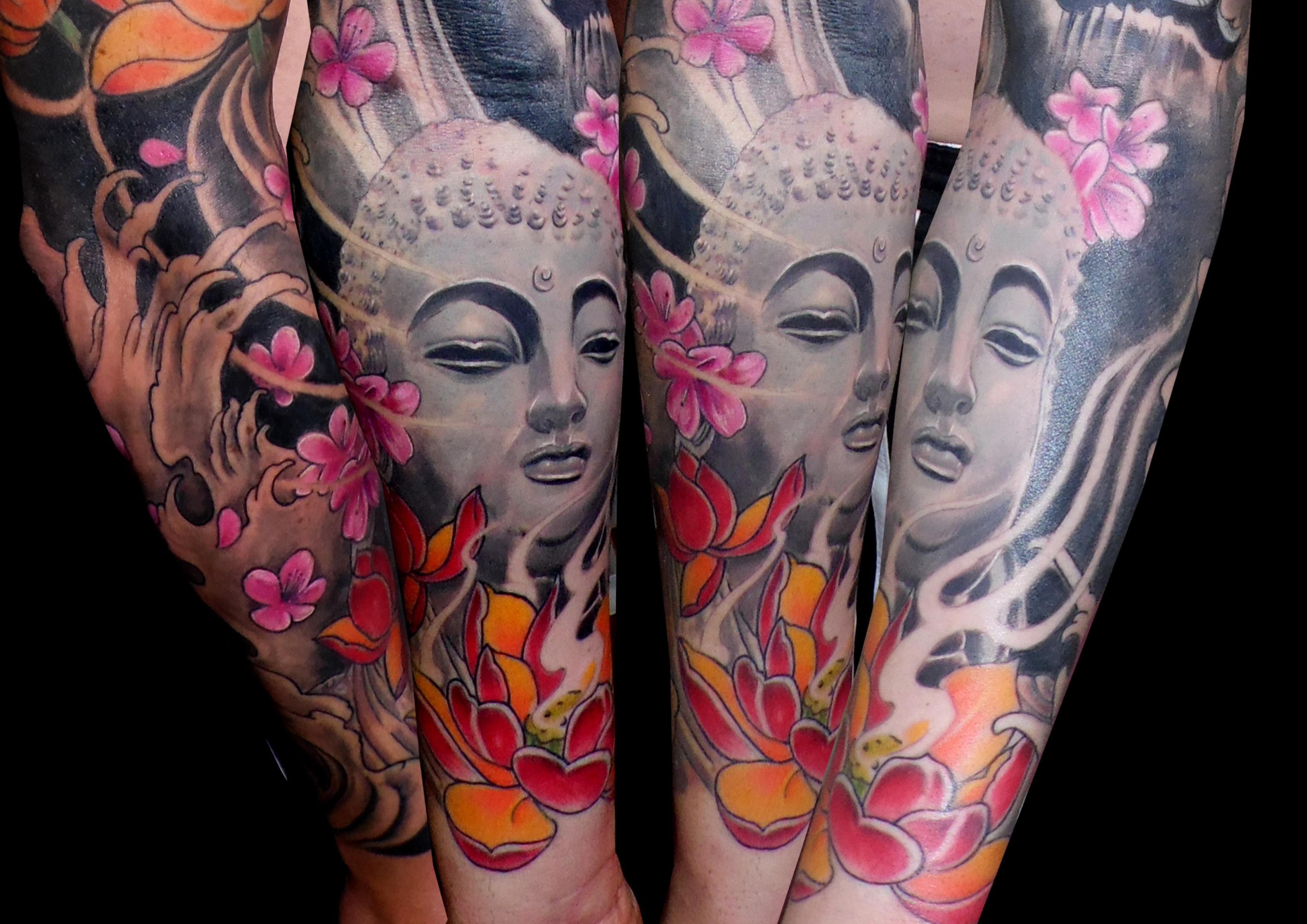 tatuaje buda flor loto oriental realista antebrazo 13depicas gris sombras color
