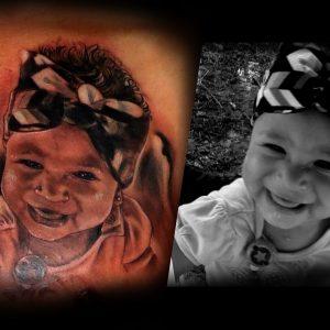 foto retrato tattoo tatuaje pecho blanco negro sombras 13depicas