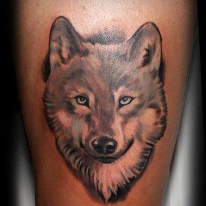 tatuaje lobo realista muslo black grey blanco negro sombras color 13depicas
