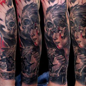 tatuaje tattoo walkiria retrato mujer calavera realismo antebrazo black grey rojo 13depicas