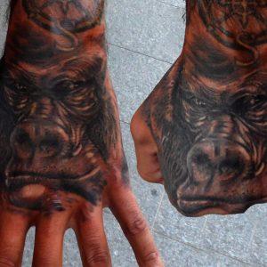 gorila mano tatuaje tattoo realismo retrato realista black grey animales 13depicas huesca