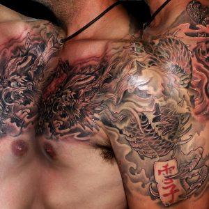 tatuaje imágenes tattoo dragón japonés hombro pecho espalda gris negro 13depicas trecedepicas jaca huesca