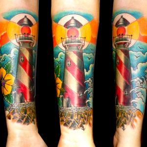 imágenes tatuajes tattoo faro antebrazo color neotradicional flor olas 13depicas jaca huesca
