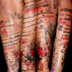 tatuaje tattoo lettering inscripción letras flechas antebrazo frases 13depicas piezas puzzle jaca huesca