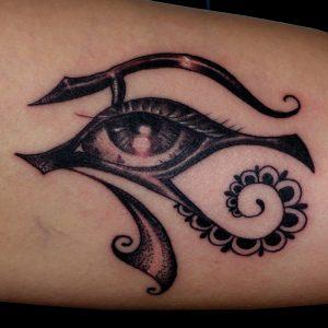 ojo ra tatuaje tattoo egipto horus biceps brazo 13depicas negro