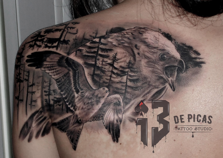 milano real tattoo jaca huesca trecedepicas logo 13 de picas spain tatuaje madein13 birdtattoo espalda bosque