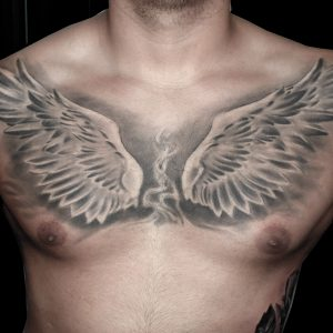 alas pecho tattoo tatuaje realismo blanco negro 13depicas Jaca Huesca