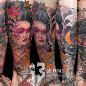 tatuaje tattoo geisha pantera rosas color pierna catana 13depicas Jaca huesca