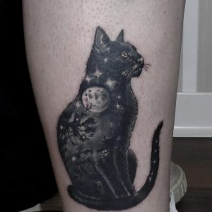 gato luna bosque tattoo jaca huesca cat 13depicas pierna