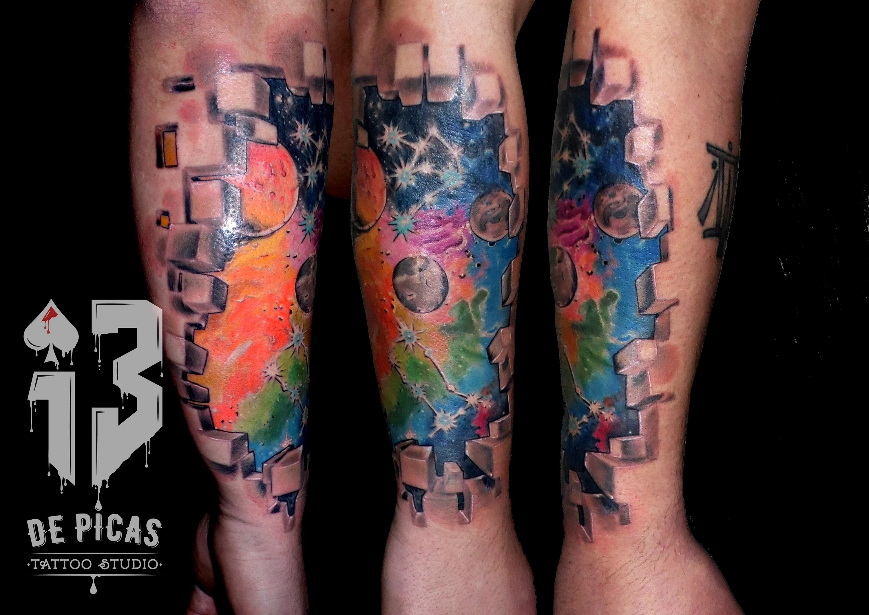 planetas universo color tatuaje tattoo antebrazo constelaciones piel rota 13depicas jaca huesca pamplona