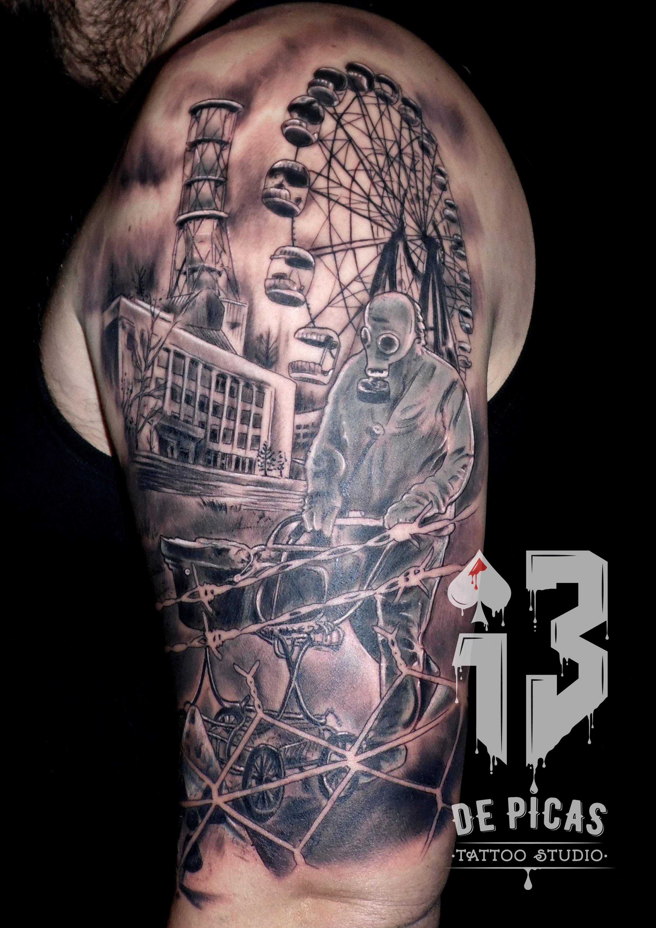 tatuaje tattoo chernobil ciudad radioactivo nuclear hombro brazo realismo 13depicas jaca huesca