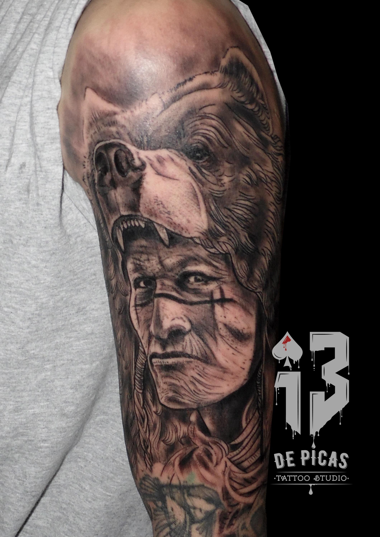 indio oso tattoo tatuaje retrato realismo brazo 13depicas jaca huesca black grey