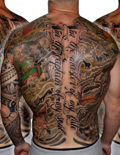 espalda entera tatuaje tattoo neotradicional montaña esquí tiburón mar faro 13 de picas jaca huesca 13depicas.com