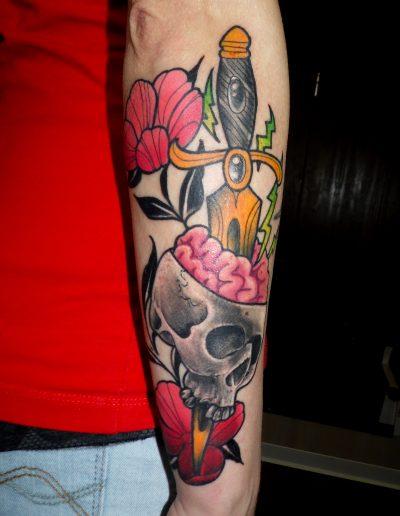 calavera daga flores color cerebro color neotradicional