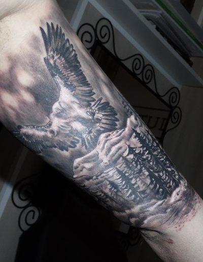 quebrantahuesos tatuaje realista ave montaña 13depicas.com jaca huesca