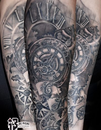 reloj mapa letras